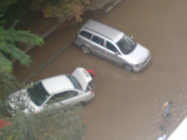 18 imobile inundate la Aiud. Comunicat
