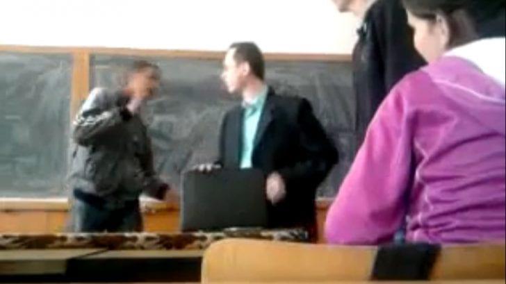 Încă un pas spre normalitate. Înjuri profesorul, riști pușcăria!!!