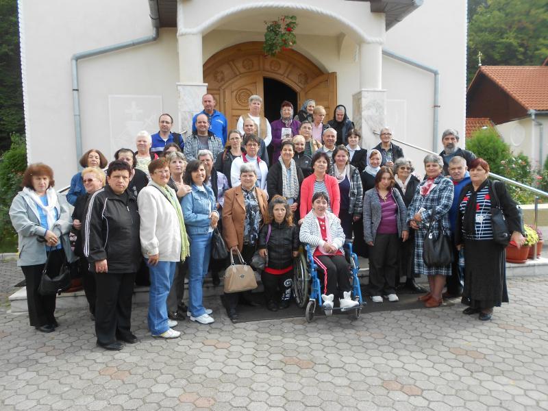 Pelerinaj la Mănăstiri din Eparhia de Alba Iulia pentru persoanele cu dizabilităţi din judeţul Alba. Comunicat.
