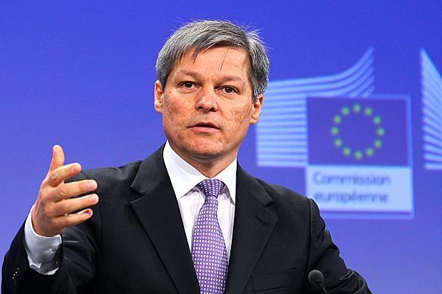Dacian Cioloș, primul ministru desemnat. Parlamentul o voteze dacă rămâne sau nu.