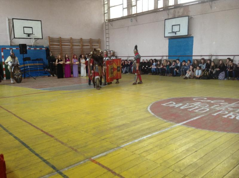 Dacii și romanii s-au întâlnit cu elevii din Cugir