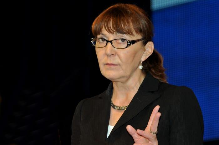Macovei îl acuză pe Iohannis de blat politic, dacă nu se trece la alegerea primarilor din două tururi!