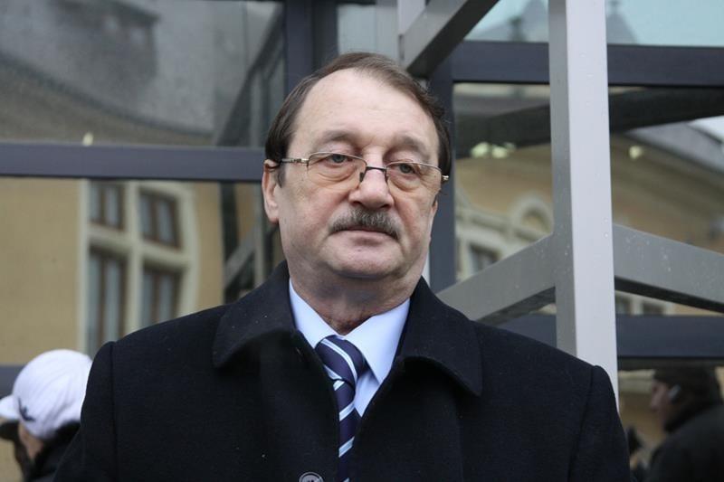 Primul membru al familiei Băsescu condamnat cu executare!