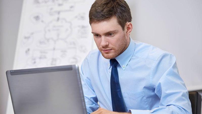 În 2017, peste 2500 dintre tinerii judeţului Alba au fost interesaţi de joburi în online