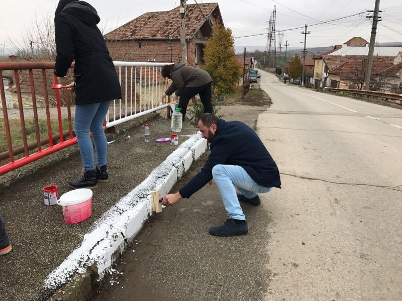 """""""Punți între sate"""" reabilitate de elevii de la Colegiul Economic DPM Alba Iulia"""