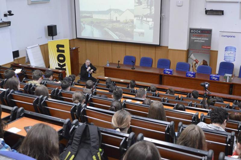 """11-13 Aprilie: A 5a ediţie a Conferințelor BookLand Evolution îşi redeschide porţile pentru tinerii din Alba Iulia la Universitatea """"1 Decembrie 1918"""""""