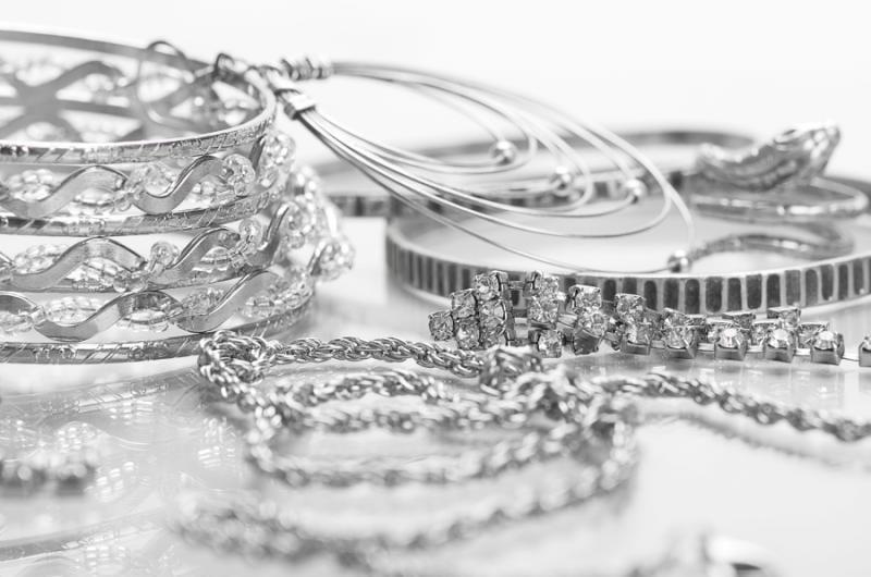 Este argintul o investiție bună?  8 motive pentru a investi ACUM în argint