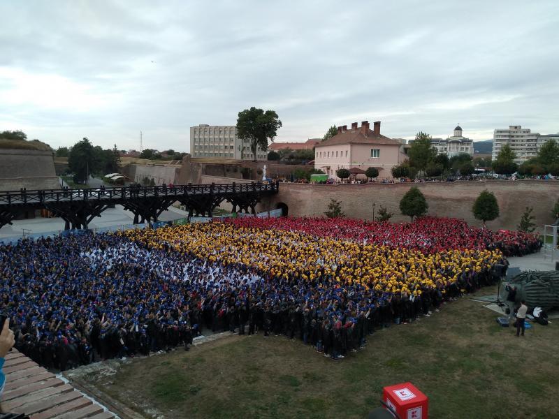 """Record mondial omologat la Alba Iulia. """"Cel mai mare 100"""" a fost realizat"""