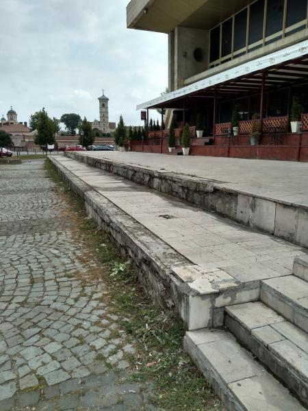 """Casa Sindicatelor din Alba Iulia are nevoie de """"operație estetică"""""""