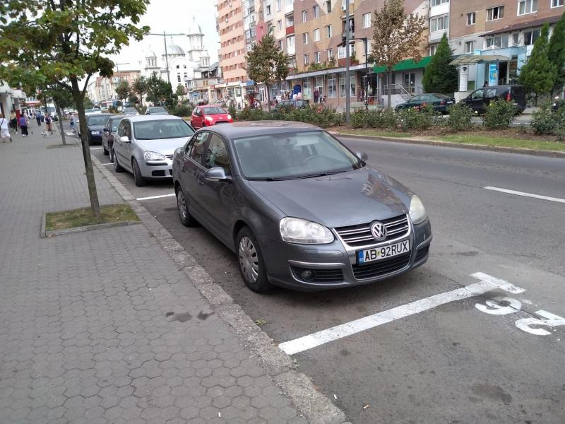 Trafic mai aerisit pe bulevardul Revoluției din Alba Iulia