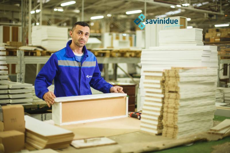 SAVINI DUE, cel mai mare producător de mobilier de baie din Romania, dorește completarea echipei cu angajați de calitate, persoane ambițioase, implicate și dornice sa invețe lucruri noi.