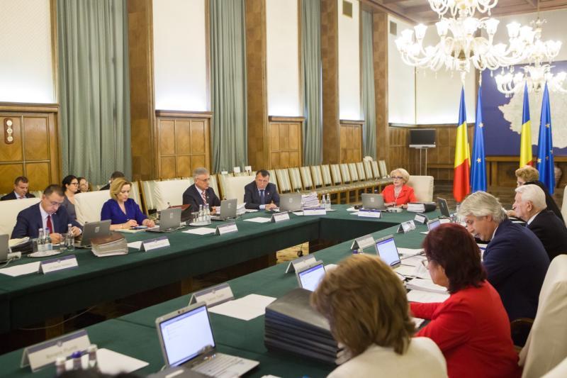 Firmele pot depune cereri pentru ajutorul de stat de luni 10 septembrie