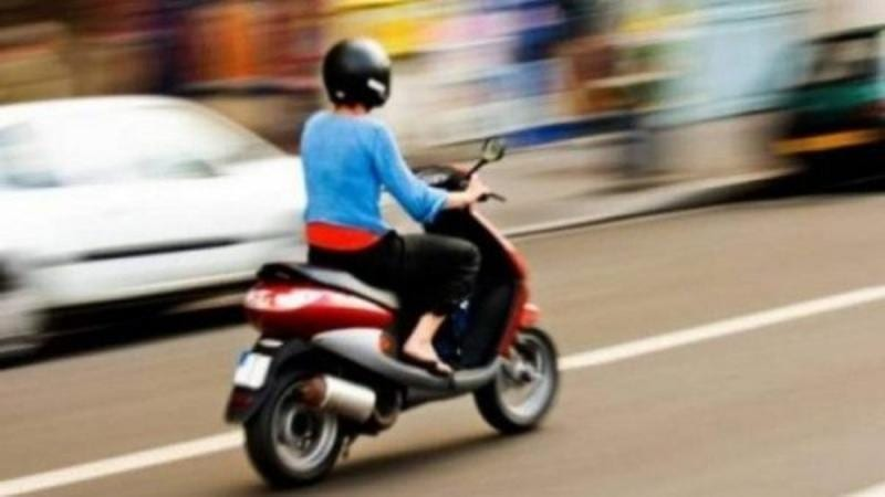 Minor din Lunca Mureșului, prins fără permis pe moped