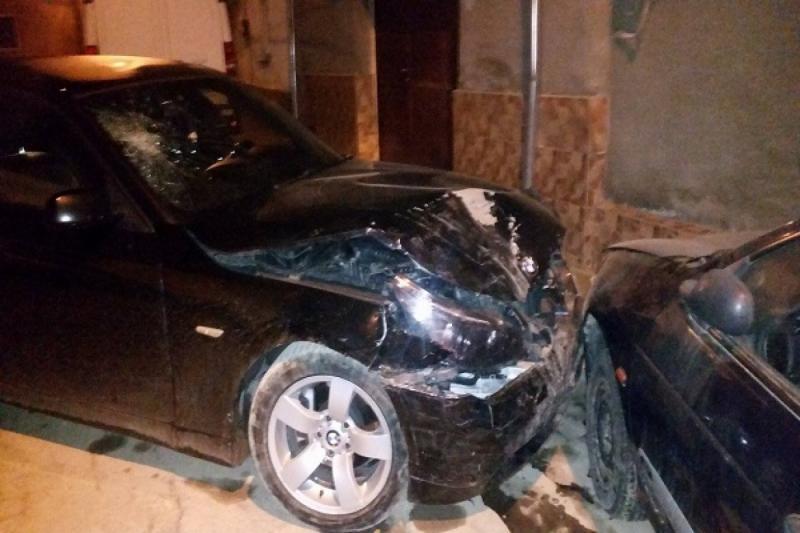 """Șofer beat și fără carnet a """"bușit"""" două mașini la Cugir"""