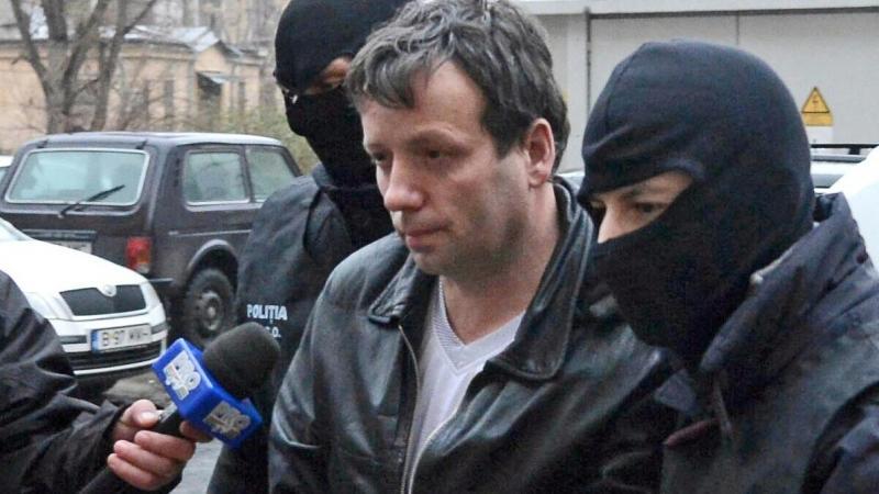 Celebrul hacker Guccifer, eliberat condiționat din închisoare