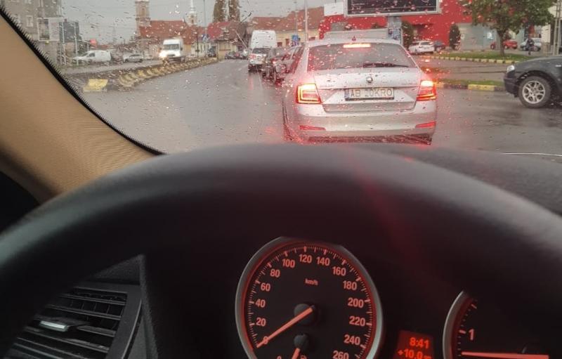 REPORTAJ: Ruta Sebeș-Alba Iulia, trafic de coșmar