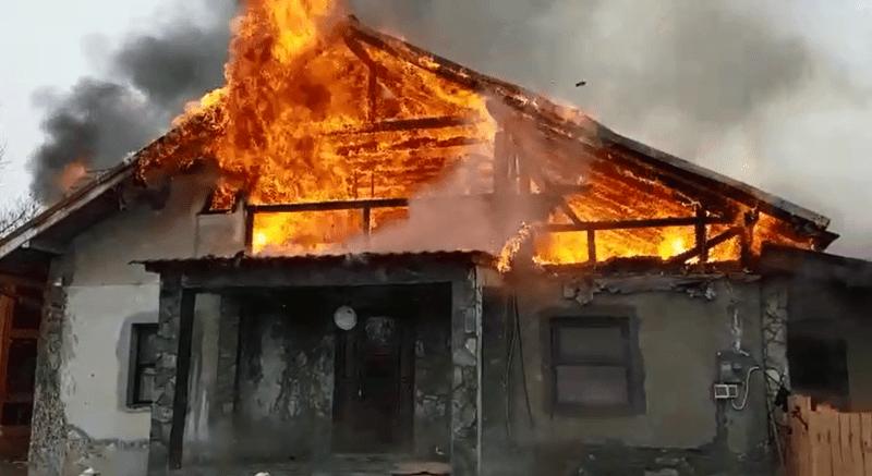 Incendiu la o casă din Săsciori