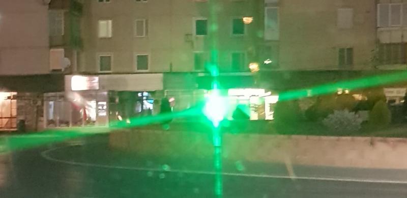 Șoferii din Sebeș deranjați de reclama unei farmacii