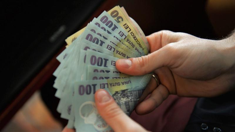 Salariul minim brut pe economie va crește în funcție de vechime și de studii