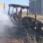 Tractor mistuit de flăcări la Șona