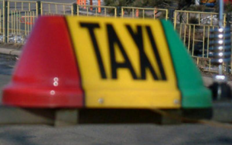 Taximetristă din Aiud, prinsă în stare de ebrietate la volan