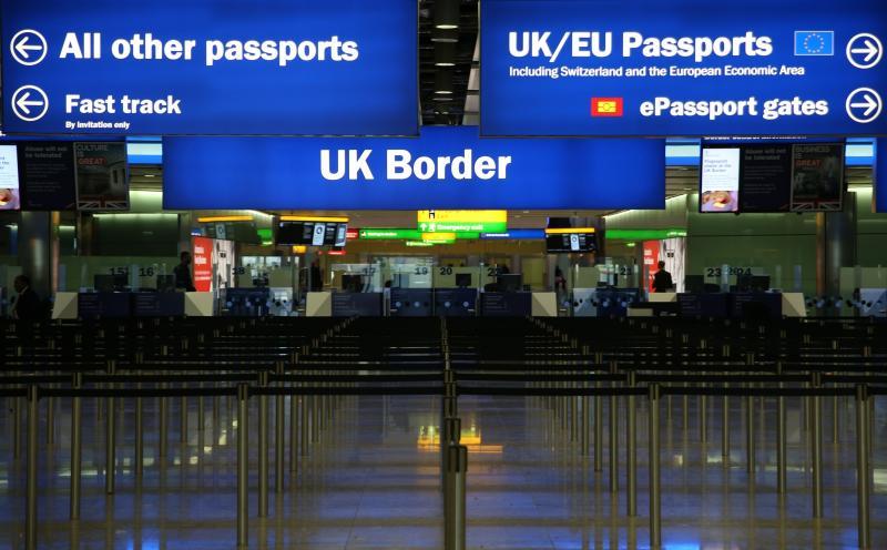 După Brexit, libera circulație în UK se stopează, iar emigranții vor fi primiți în funcție de competențe