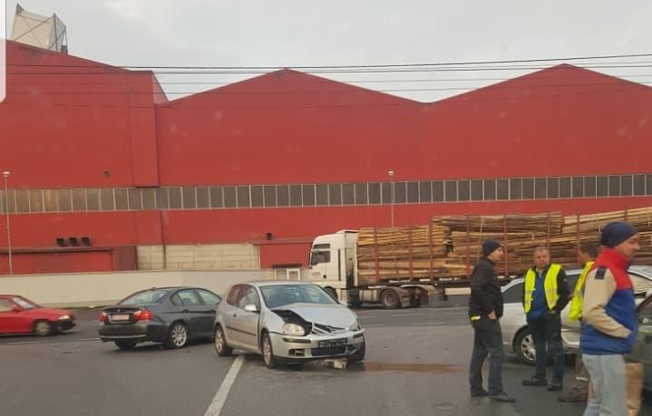 Un accident rutier a blocat circulația în Sebeș (foto)