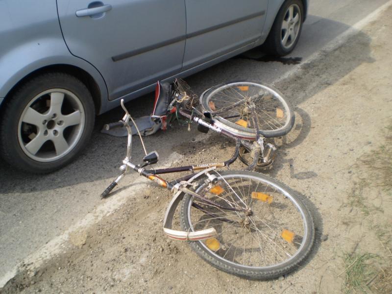 Blaj – Un septuagenar este cercetat penal după ce a lovit cu mașina un biciclist beat