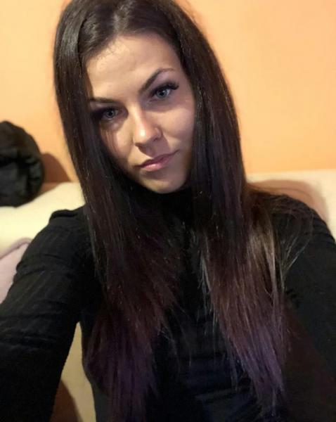 Alba Iulia – Interviul Denisei Sava, victima tâlhăriei din scara blocului M3