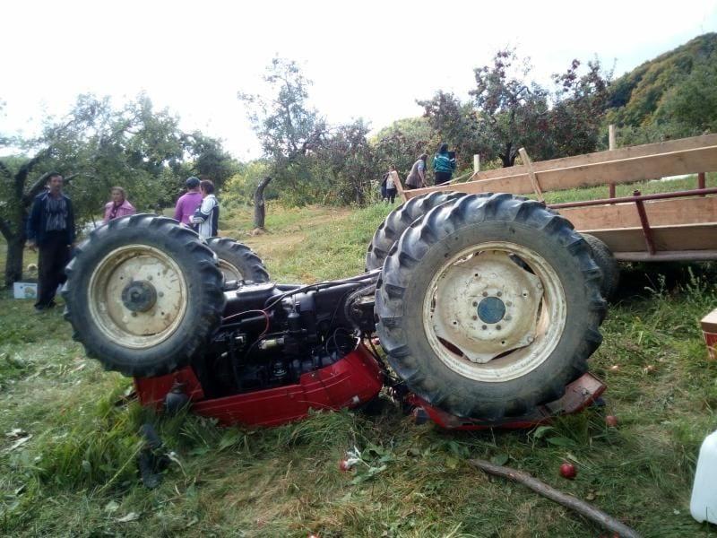 Valea Lungă- Bărbat prins sub un tractor. Pompierii intervin (UPDATE)