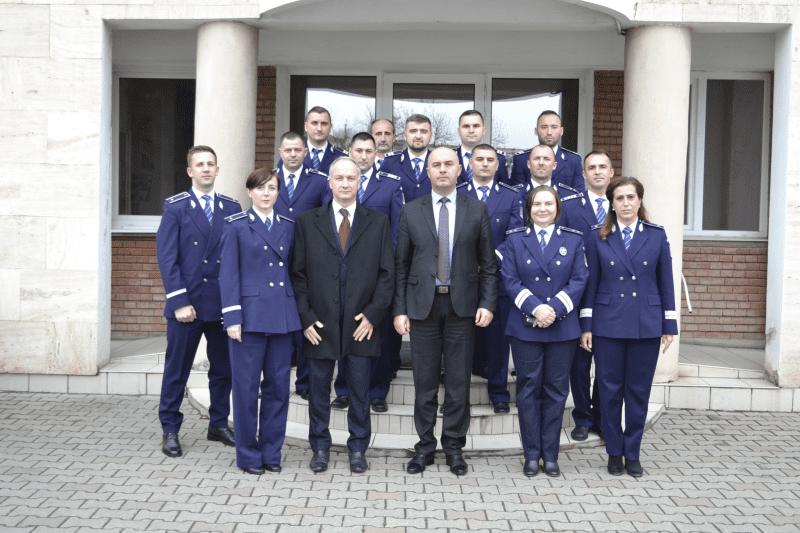 17 polițiști din cadrul IPJ Alba, avansați în grad cu ocazia Zilei Naționale a României