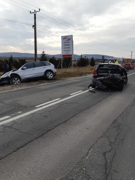 Sebeș – Accident rutier cu două persoane rănite la intrarea în oraș
