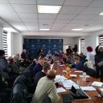 Nemulțumire! - Circa 100 de cetățeni au luat cu asalt ședința Consiliului Local Alba Iulia