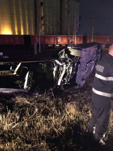 O mașină s-a răsturnat pe șoseaua de centură a Municipiului Alba Iulia