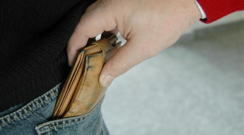 Blaj – Minor din Sâncel, prins imediat după ce i-a furat portofelul unui bărbat