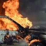 Alba Iulia - O mașină a luat foc în cartierul Ampoi 3 (update)