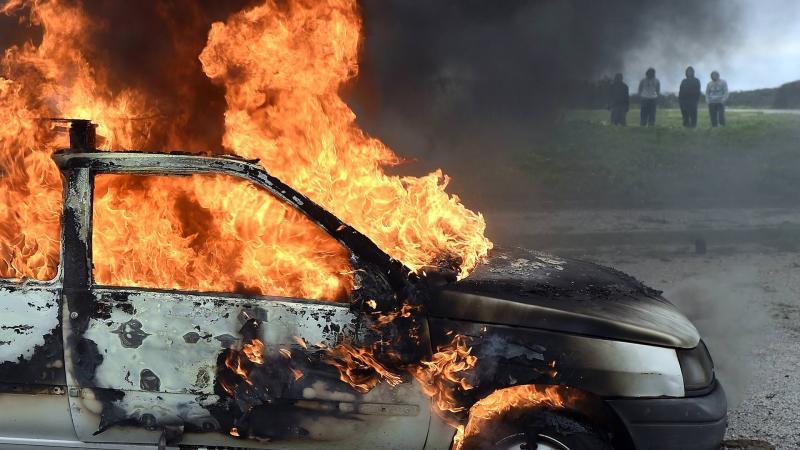 Alba Iulia – O mașină a luat foc în cartierul Ampoi 3 (update)