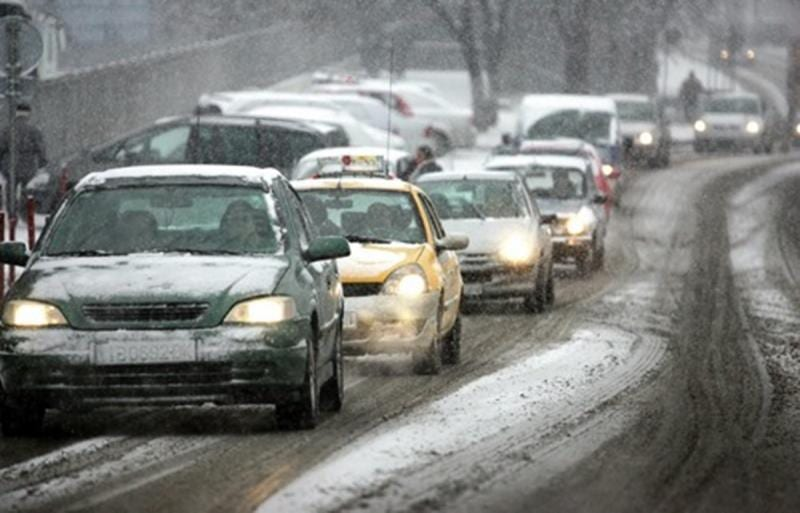 Recomandările IPJ Alba pentru circulaţia rutieră în condiţii de ninsoare