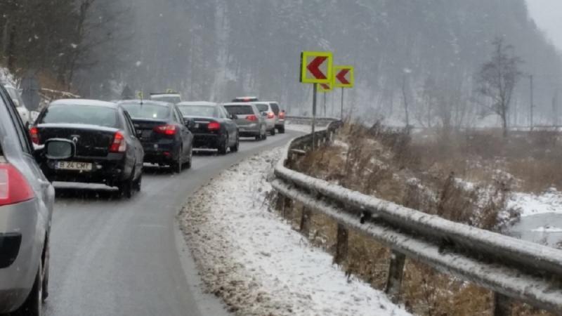 Update – Un microbuz a îngreunat traficul între Aiud și Alba Iulia mai bine de două ore