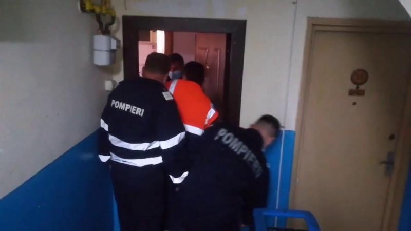 Sebeș – Pompierii solicitați să deblocheze ușa unui apartament unde ar fi o persoană cu probleme medicale