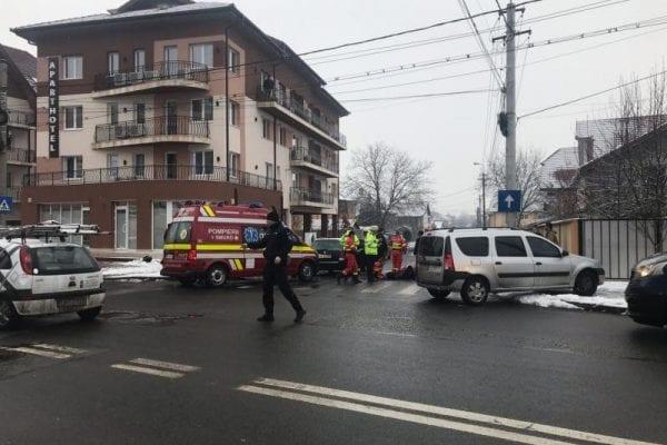 Alba Iulia - Femeie acroșată de o mașină pe trecerea de pietoni (foto)