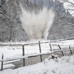 Arieșeni - Traficul rutier a fost oprit din cauza unor detonări de zăpadă