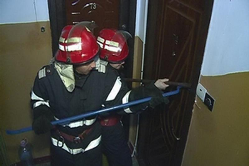 Aiud – Bărbat găsit decedat în apartament de pompieri