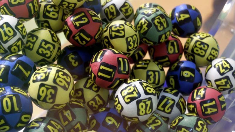 Vezi ce numere au ieșit câștigătoare la extragerile Loteriei Române de duminică, 3 februarie