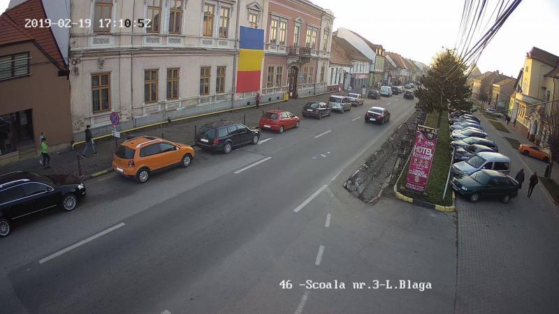 Oprirea, staționarea sau parcarea neregulamentară a autovehiculelor pe raza municipiului Sebeș, sancționate de Serviciul de Siguranță Rutieră (foto)