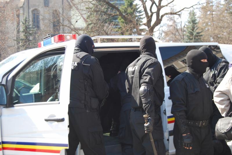 Sebeș – Mai multe persoane bănuite de evaziune fiscală, percheziționate de angajați ai IPJ Alba