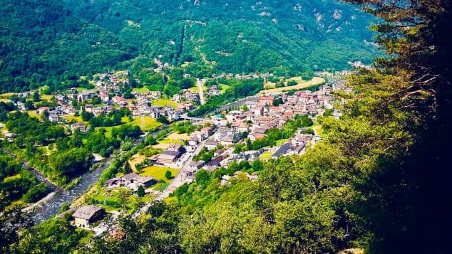 Primăria unui sat din Italia oferă 10000 de euro celor care vor să se mute acolo