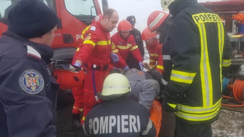 Sântimbru – Accident cu o victimă încarcerată pe DN1 (foto)
