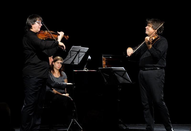 Duelul viorilor – Stradivarius versus Guarneri ajunge la Alba Iulia  pe 31 martie