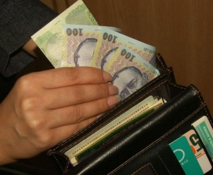 Dosar penal pentru o tânără din Hopârta care a sustras un portmoneu dintr-o locuință din Alba Iulia